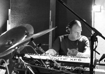 Recording Session Sum Of Its Parts - Coen Molenaar Playing keys